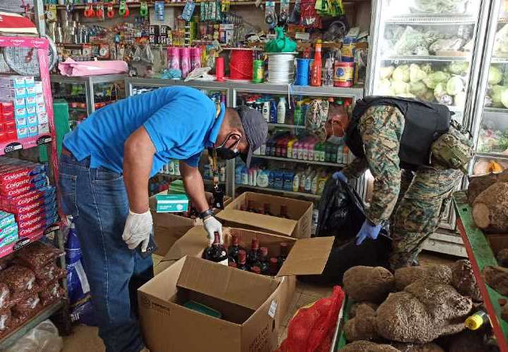 Les caen a comercios con productos de contrabando