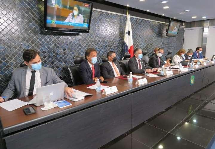 Asamblea no admite denuncias contra Cortizo