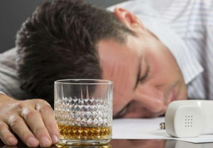 15 % del alcohol que toman los latinoamericanos es ilegal