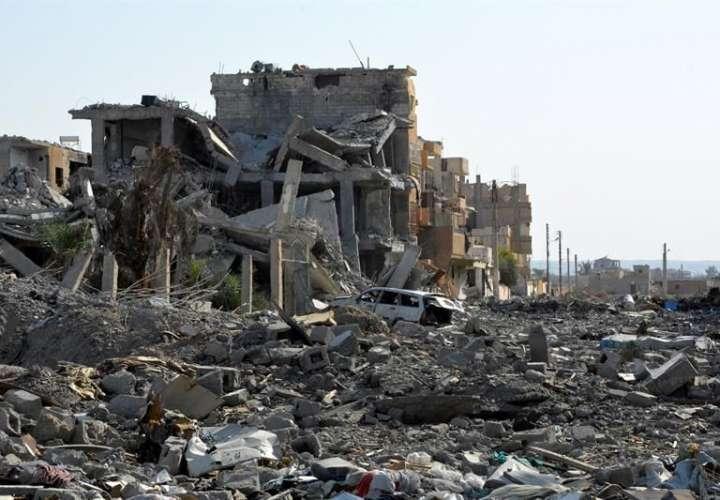 Mueren 14 civiles en bombardeos contra bastión opositor