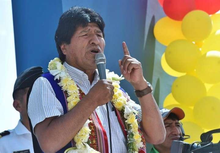 Evo Morales, quien habla hoy, jueves 30 de noviembre de 2017, en un acto en la región de Cochabamba (Bolivia). EFE