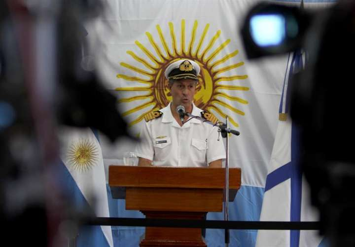 En la imagen el portavoz de la Armada argentina, Enrique Balbi, habla durante una rueda de prensa. EFEArchivo