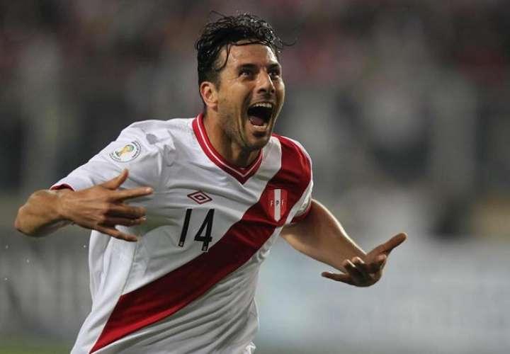 Claudio Pizarro brilló en la Bundesliga de Alemania.