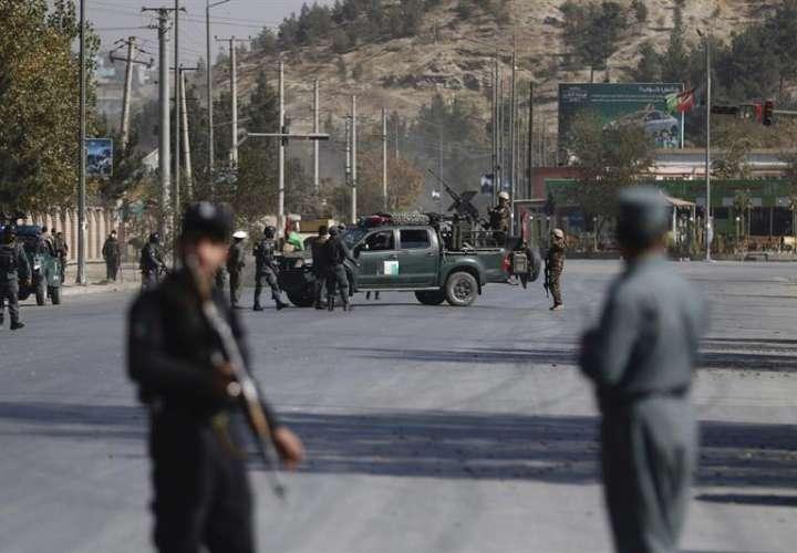 Soldados montan guardia tras un ataque en Kabul (Afganistán). EFEArchivo