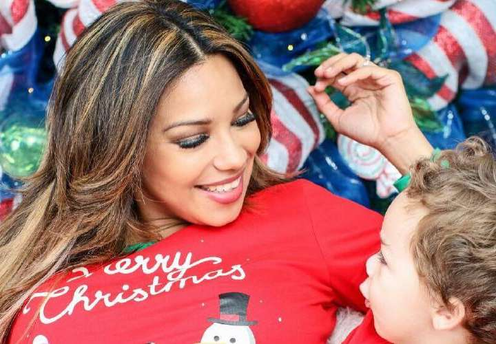 Famosos les inculcan a sus hijos el valor de la Navidad