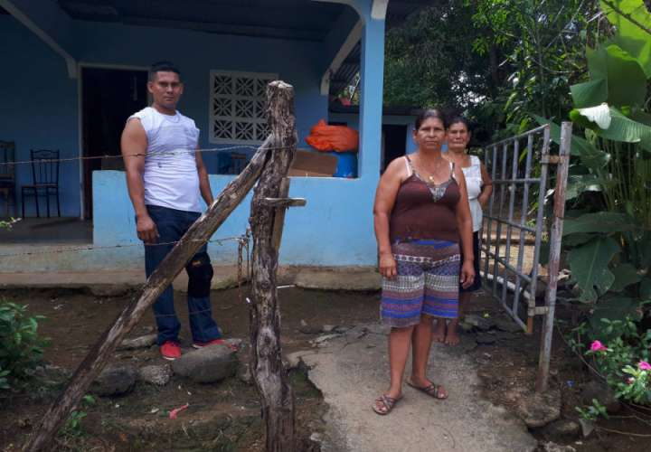 La familia aun no sale de su asombro. Foto: Melquiades Vásquez