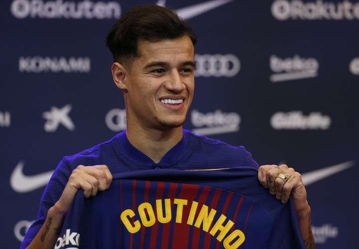 Philippe Coutinho fue presentado ayer como nuevo jugador del Barcelona. Foto: AP