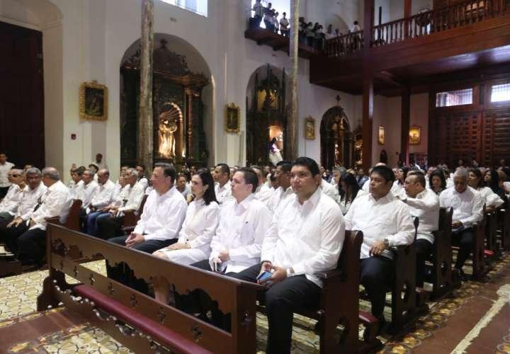 Oficio litúrgico por los difuntos del 9 de enero de 1964 en la parroquia Nuestra Señora de la Merced (Casco Viejo).