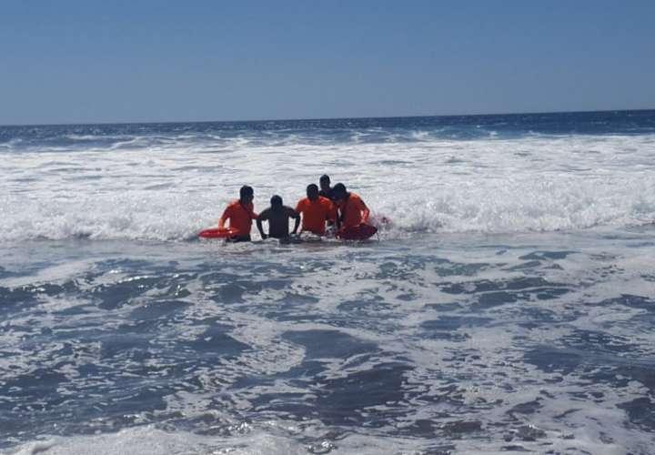 Vistas del rescate en playa La Barqueta. / Foto: @SinaprocPANAMA