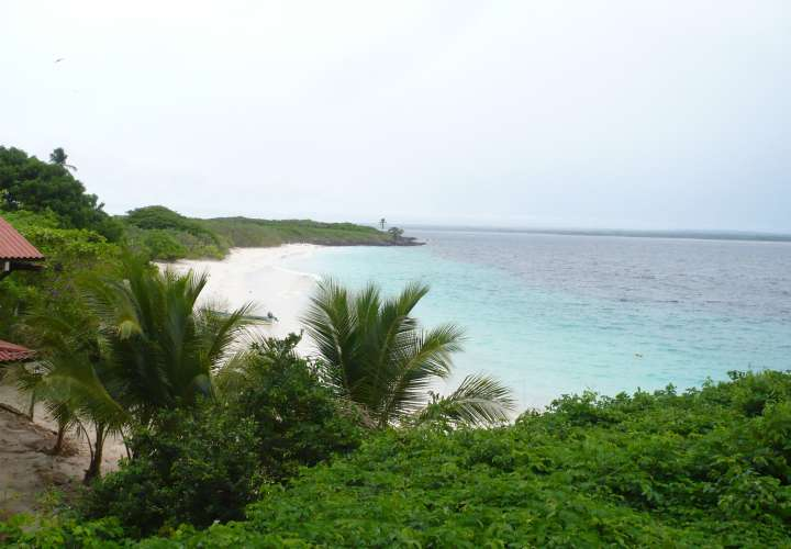 Suspenden visita a isla Iguana tras desactivación de bomba
