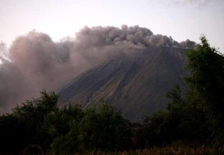 Aumenta tremor en volcán más alto de Nicaragua y avisan de posible explosión