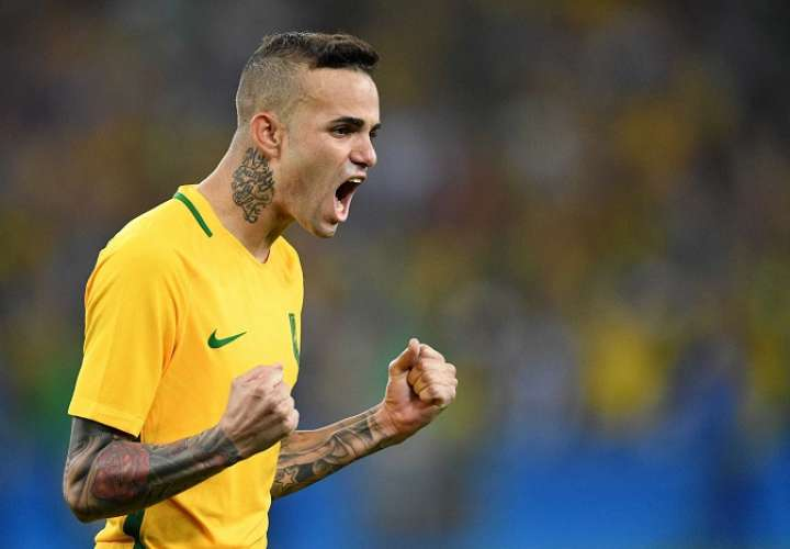 Luan Vieira, mediapunta del Grêmio, espera que ser tomado en cuenta para los amistosos que disputará Brasil en marzo ante Rusia y Alemania./AP