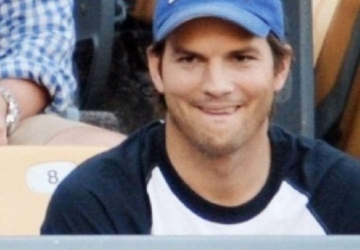 Ashton Kutcher habla de cómo superó el divorcio con Demi Moore
