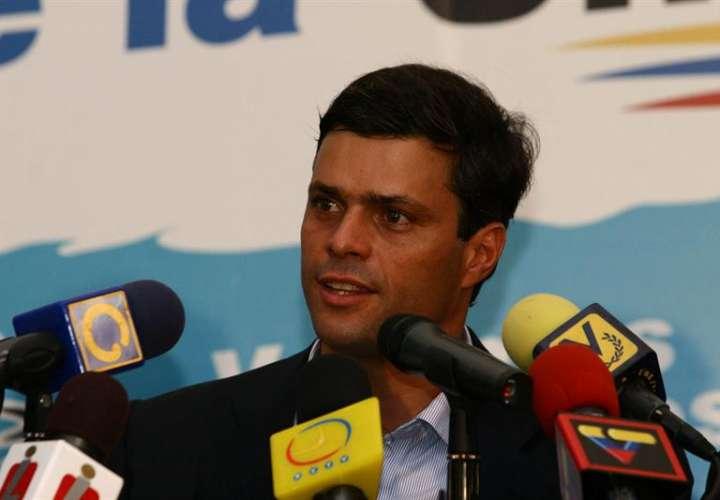 Imagen fechada en el año 2011, del líder opositor venezolano, Leopoldo Lopez. EFE/Archivo