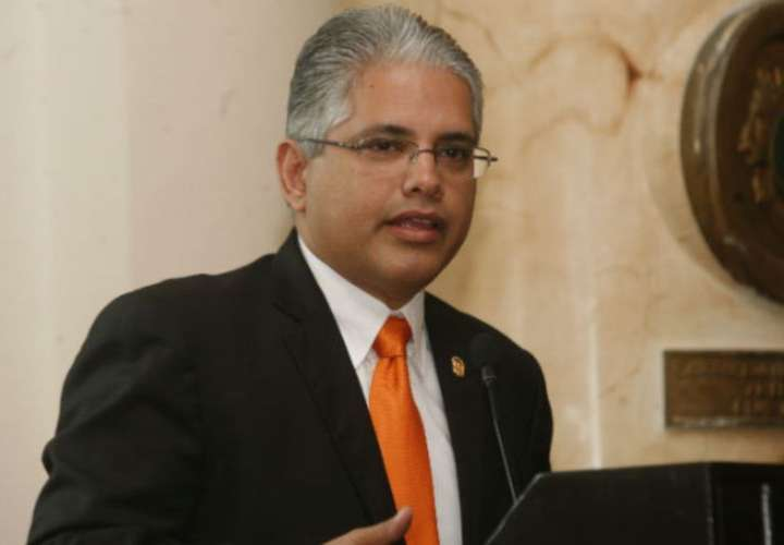 Blandón afina detalles para buscar presidencia