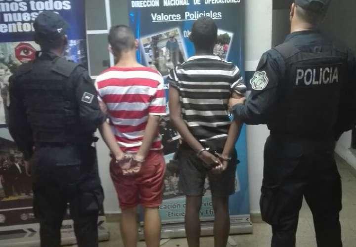Capturan a dos de tres ladrones de taxi