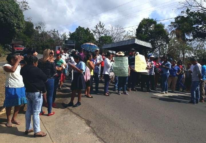 Santa Fe: Protestan ante la carencia en centro de salud