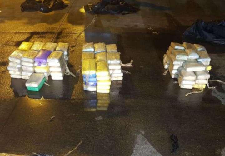 Decomisan narco-cargamento en un buque