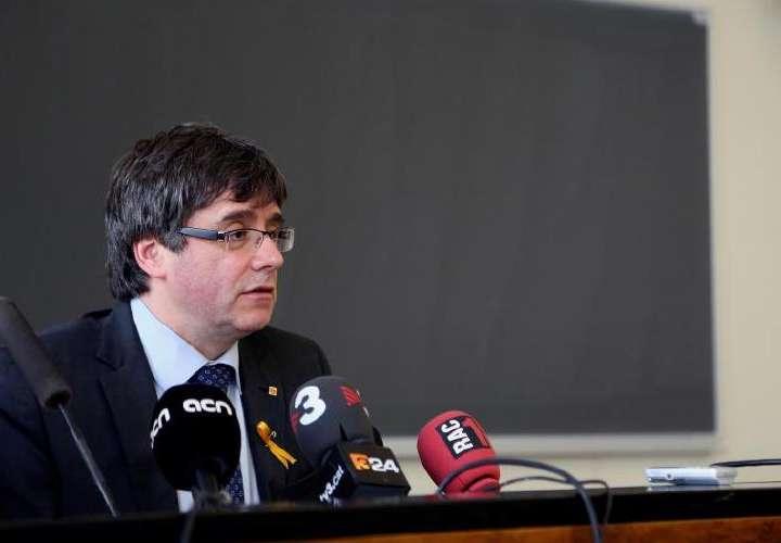 Puigdemont, detenido en Alemania en operación coordinada con CNI español
