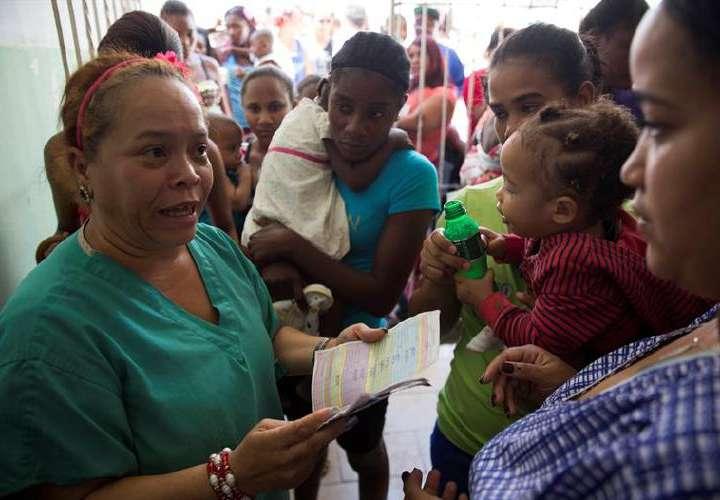 Abarrotan centros de vacunación ante posibles casos de difteria