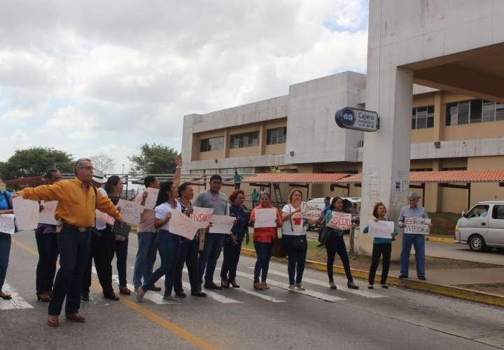 Protestan en hospital