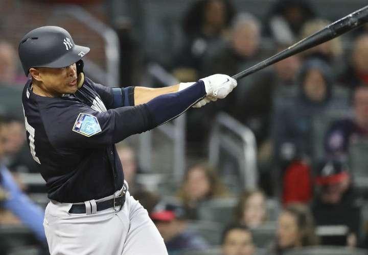Giancarlo Stanton, la principal adquisición de los Yankees para la campaña 2018. Foto: AP