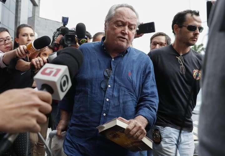 Policía detiene a tres allegados de Temer en investigación por soborno