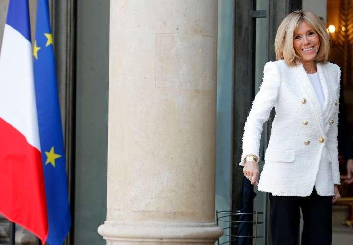 Usurpan identidad de Brigitte Macron