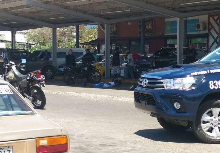 Capturan a sujetos con fusil de asalto en La Chorrera