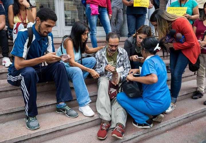 Trabajadores del sector salud en Venezuela irán a protesta por crisis