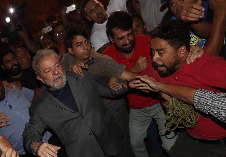 Querían foto de Lula preso, ¡tendrán un orgasmo múltiple!