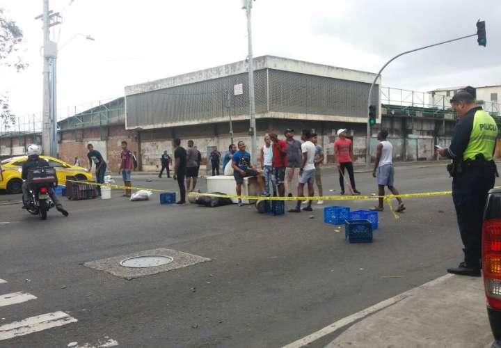 Cierre en avenida Nacional por reclamaciones comunitarias