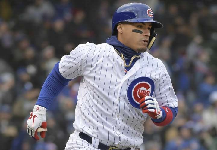 Joe Maddon sale en defensa de Javier Báez