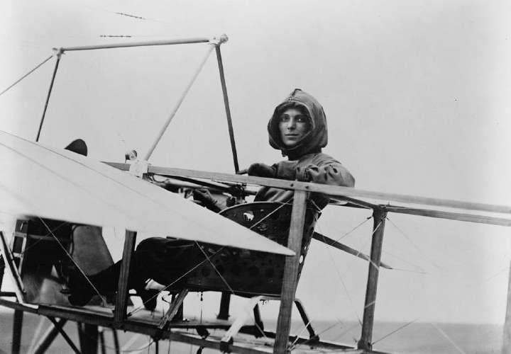 Intrépida aviadora