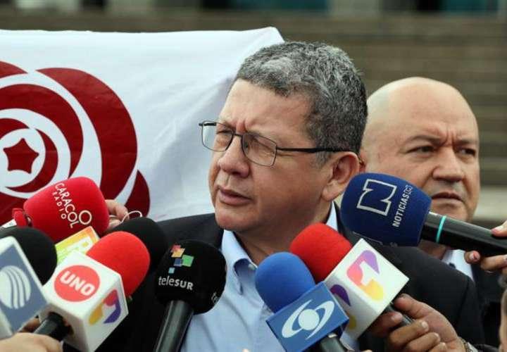 Farc califica de 'barbarie'asesinato de tres periodistas por 'Guacho'