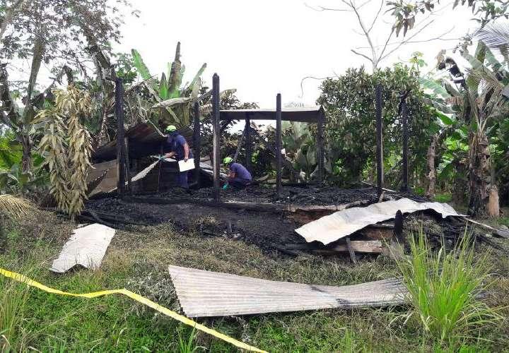 Fuego consume vivienda en Bocas del Toro