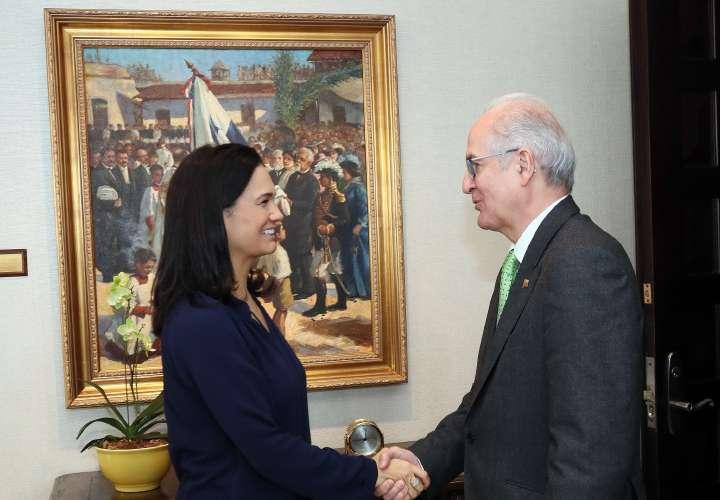 Exalcalde opositor venezolano se reúne con De Saint Malo