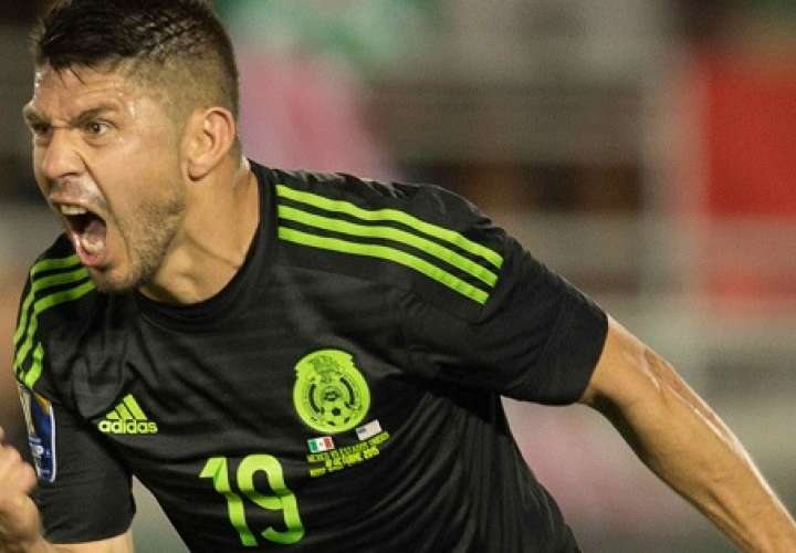Oribe Peralta espera ganarse un lugar en el equipo del técnico Juan Carlos Osorio. / EFE
