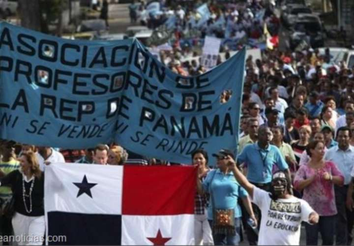 Docentes marchan hoy