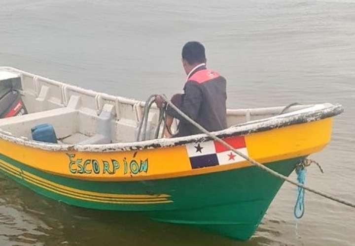 Rescatan embarcación con tres tripulantes en Veraguas