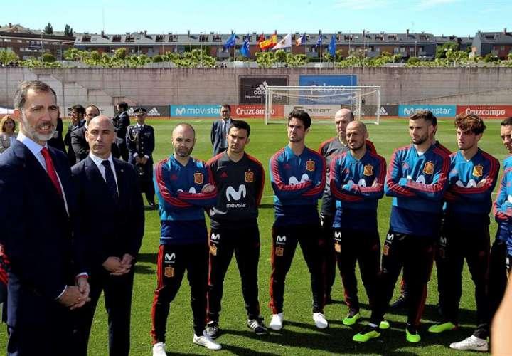 La selección española parte hacia Rusia con el equipaje lleno de ilusión