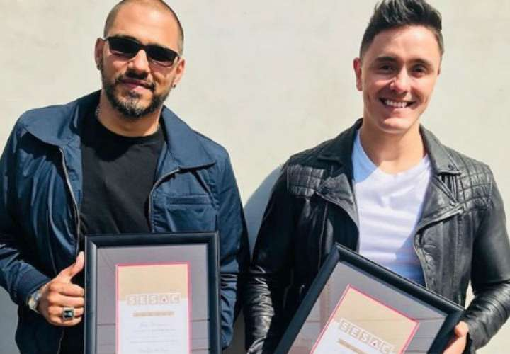 Joey Montana recibe reconocimiento como compositor