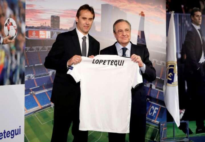 El presidente del Real Madrid, Florentino Pérez (d), y el nuevo entrenador del equipo, Julen Lopetegui (i). Foto: EFE