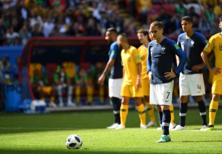 La selección de Francia le gana a Australia con dificultad