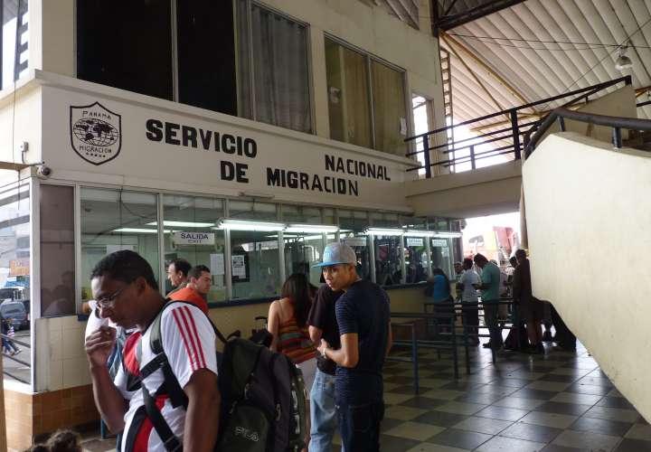 Eliminan requisitos para regularización de extranjeros