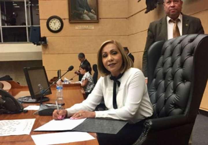 PRD y CD reiteran reelección de Yanibel