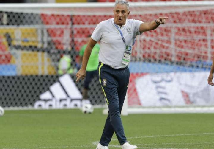 Tite clasificó a Brasil en el primer lugar en la  eliminatoria de la Conmebol.