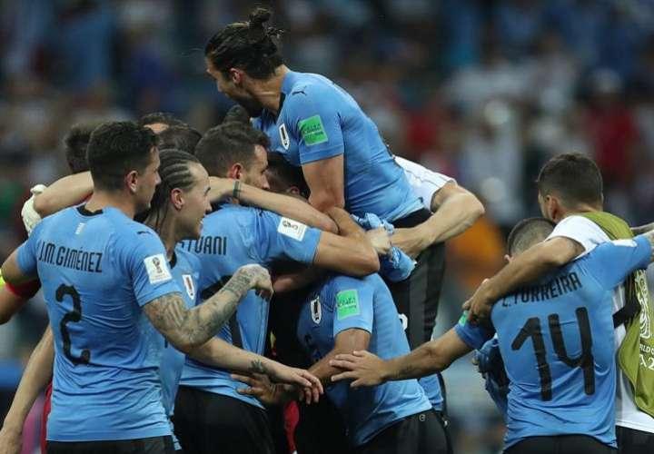 La selección de Uruguay eliminó en octavos de final a Portugal . Foto EFE
