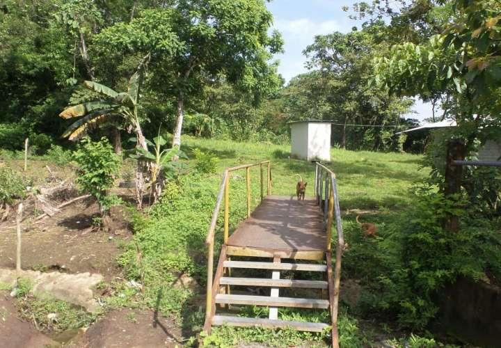 Vista general del área en donde fue abandonado el cadáver de la víctima. Foto: Landro Ortiz
