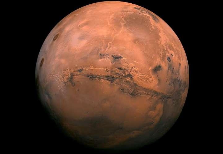 Agua líquida en Marte abre un nuevo tiempo en la exploración marciana